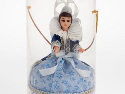 Un don de poupées folkloriques