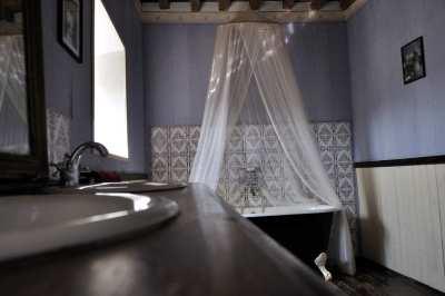 Donville manor details (4)