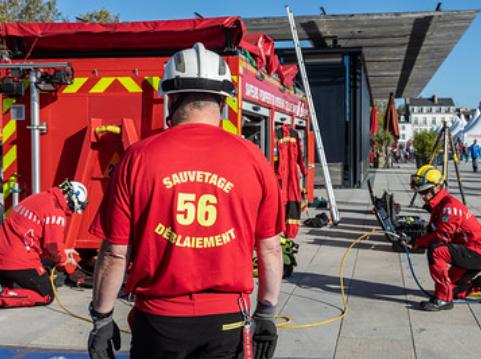 Sapeur-pompiers spécialisés dans le sauvetage déblaiement