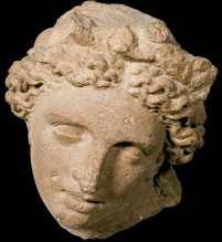 Testa femminile, II secolo a.C.