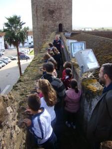 Los participantes en el Taller descubrieron los secretos del recinto medieval de Olivenza