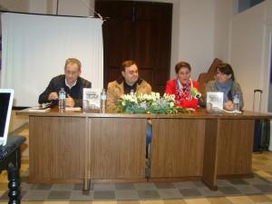 De izqda. a dcha. Miguel Ángel Vallecillo, Fermín Mayorga, Elisa Barrientos y Antonia Gutiérrez