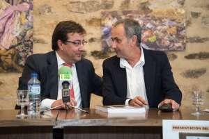 El Presidente de la Junta de Extremadura, Guillermo Fernández Vara, apadrinó la presentación (Foto: Comunicación Junta de Extremadura)