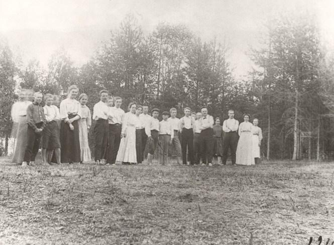 Mäntyharjun herrasväkeä vuonna 1916. Kuva: Mäntyharjun museo.