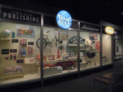出版やおもちゃ製造など地場産業紹介コーナーのようです