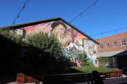 有名なギャラリー、ハウザー&ワースの中庭