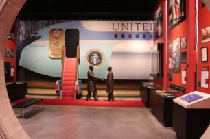 ニクソン大統領の訪中は世界を驚かせました