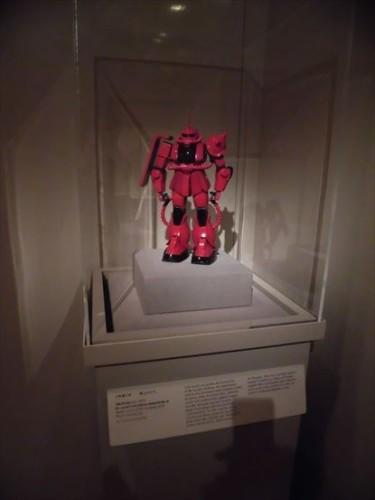 これは鎧兜に影響を受けているということを伝えているかもしれない展示です