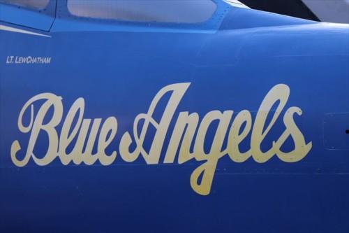 アメリカ海軍のアクロバット飛行隊のブルー・エンジェルスの機体