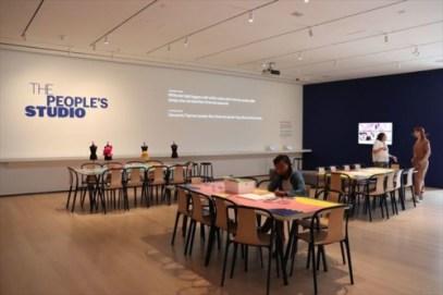 """ワークショップが行われるのでしょうか。この美術館は""""交流""""を大切にしているようです"""