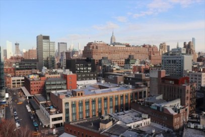 テラスからはマンハッタンの風景が良く見えます。遠くにエンパイヤステート・ビルが見えています