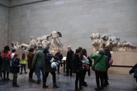 パンテオン神殿の彫刻
