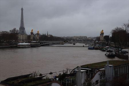 アレクサンドル3世橋遠景