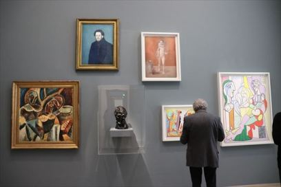 こういう展示の仕方はあまり日本では見ないのではないでしょうか。「青の時代」の代表作の一つ「自画像」も展示されています