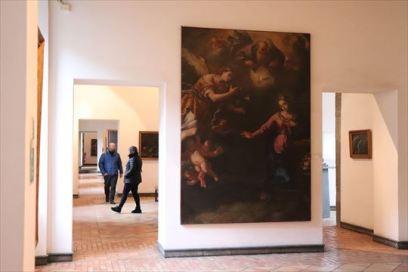 市民博物館には絵画などが展示されていました