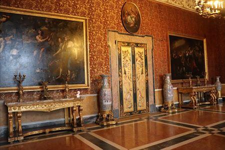 ナポリ王宮05_R