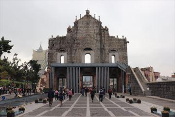 裏側から見た天主堂跡