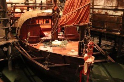 香港は貿易の拠点でもあり海とは切っても切れない関係。船の上で生活したりする人もいたようです。香港の水上生活者(海上生活者)も良く知られています