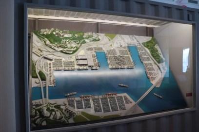 港の仕組みを紹介している模型