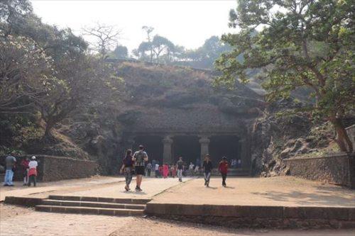 第1石窟入り口。ここが一番見ごたえがあります