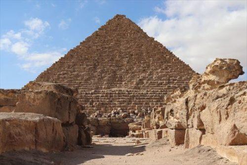 Menkaure'sPyramid6_R