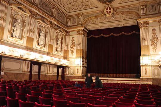 王様用の劇場