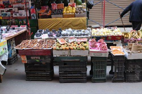 ホテル近くの果物の露店