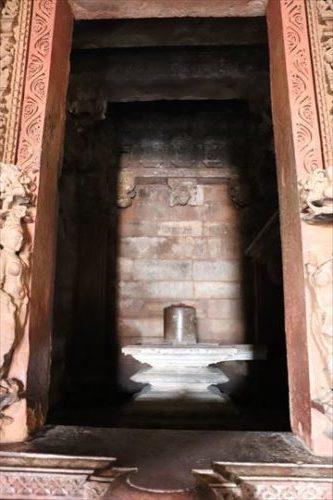 ご神体はリンガ。リンガはシヴァ神の象徴で男根をかたどっているようです