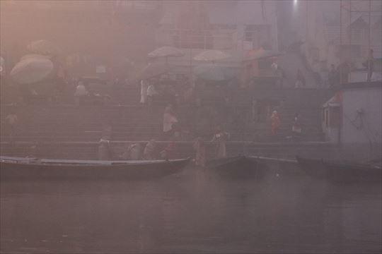 バラナシ。ガンジス川の沐浴場