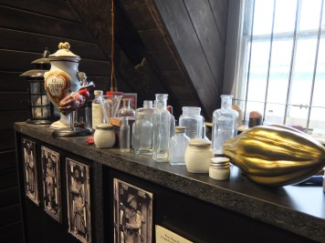 old-operating-theatre-medicine-jars