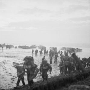Figure 3: Allied soldiers landing at Flushing, Walcheren, November 1944. Photograph BU 244, Imperial War Museum, public domain.