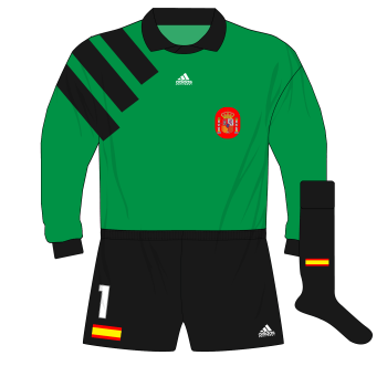 adidas-Spain-goalkeeper-shirt-jersey-1992-1994-Zubizarreta-World-Cup-qualifiers-green-01