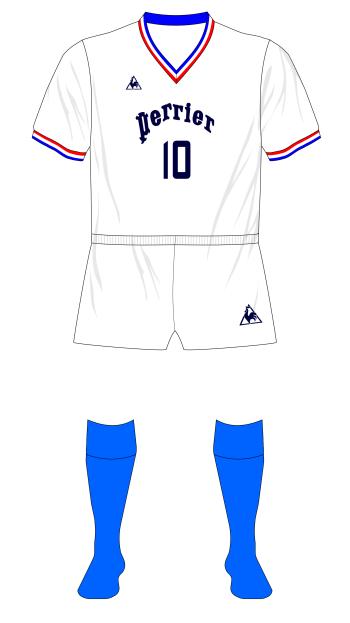 Olympique-Marseille-1972-Le-Coq-Sportif-maillot-domicile-Perrier-01.png