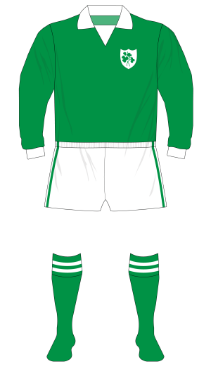 Republic-of-Ireland-1974-O'Neills-jersey-01