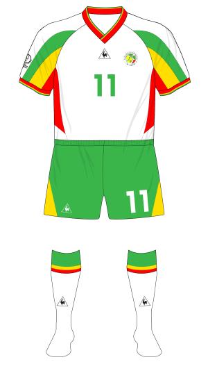 Senegal-2002-Le-Coq-Sportif-maillot-domicile-green-shorts-France-02