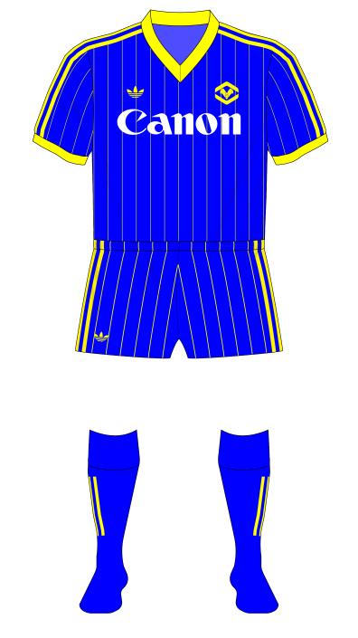 Hellas-Verona-1984-1985-adidas-home-maglia-Scudetto-alternative-socks-01