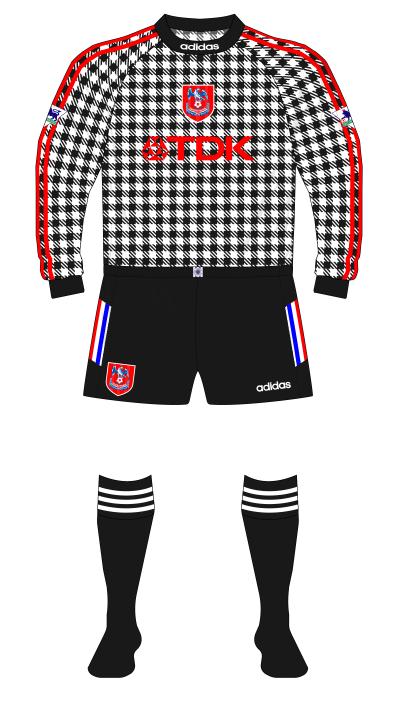 Crystal-Palace-1997-1998-adidas-goalkeeper-shirt-Kevin-Miller-01