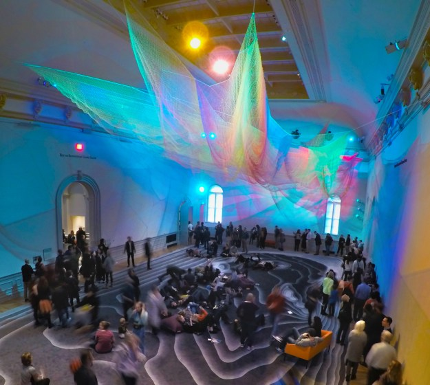 1.8 Renwick, Washington D.C., 2015 Photo: Bruce Petschek, Courtesy Studio Echelman