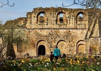 Link to Kirkstall Abbey Things to see and do page