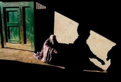 Museum für Gestaltung – In Conversation with Steve McCurry – Beggar and Shadow