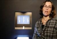 Dr. Sibylle Wolf in der Ausstellung #EisZeitenHH