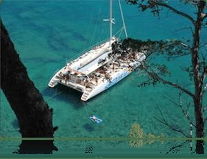 Fiestas en catamarán para despedidas de soltero en Lloret