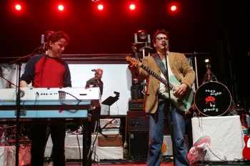 Giants of the Pop World: A Preview of They Might Be Giants at The Vic Theatre