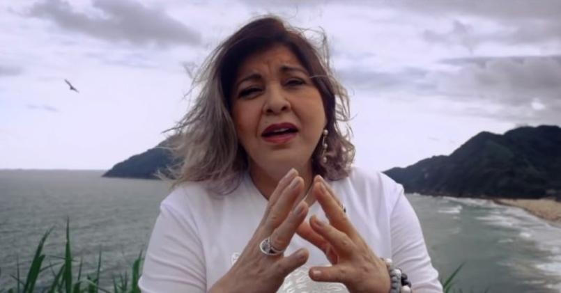 'Tô Na Mão De Deus': Roberta Miranda Grava Música Gospel