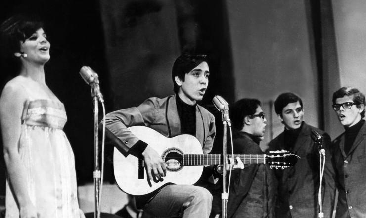Resultado de imagem para Festival de Música Popular Brasileira 1967