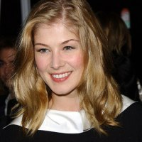 Rosamund Pike actuará en épico film Wrath of the Titans