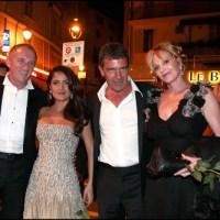 Esposo de Salma Hayek prohibiría a la actriz actuar con Antonio Banderas, estaría celoso de amistad entre ellos