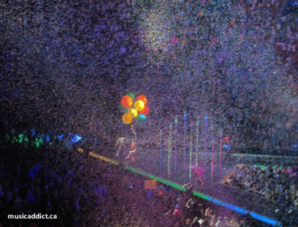 Confettis and Big, Big, Balloons