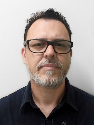Adriano Ferreira Peres