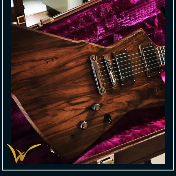 W Custom Guitars Explorer